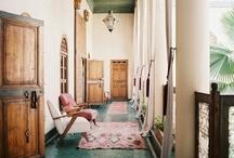 hallway love / by Bee Deeley
