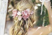 HAIRSTYLE / hair, hairstyle, hair color, hair dye, haircut, long hair, braid, straight