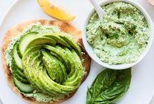 Avocado Toast / Heaps of ways to take your avocado toast to the next level.