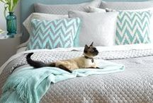 Beds, bedding and bedrooms / Beautiful bedrooms, beds, bedheads and bedding that we love, love, love. Fabulous fabrics, cushions, duvet covers and pillows.