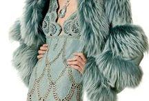 Kožešiny / Kožešinové kabáty, vesty, doplňky. Oblečení z peří