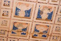 Palmira / Один из богатейших городов поздней античности, расположенный в одном из оазисов Сирийской пустыни, между Дамаском и Евфратом. Как перевалочный пункт для караванов, пересекавших Сирийскую пустыню, Пальмира была прозвана «невестой пустыни». В настоящее время на месте Пальмиры — сирийская деревня и развалины величественных сооружений, принадлежащих к числу лучших образцов древнеримской архитектуры.