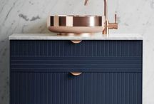 Sleek Living / Clean lines, not too much clutter, thin black frames, the option to mix in romance and bright colors.