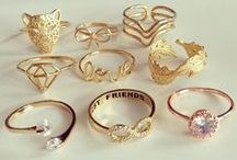 Jewelry / Rings, earrings, bracelets and necklaces
