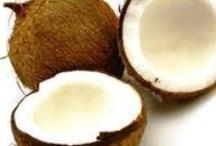 Ulei de nuca de cocos / Uleiul de nuca de cocos se foloseste pentru tratarea diferitelor afectiuni cum ar fi Alzheimer, diabet, colesterol. Se mai foloseste in cosmetica si pentru slabit