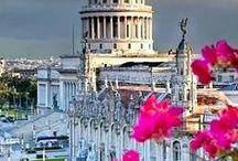 La Habana / Cuba / Decadencia y color, pobreza y esplendor...Detenida en el tiempo y las contradicciones..