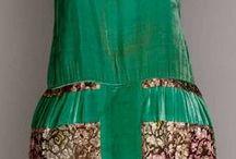 001. Зелёные платья