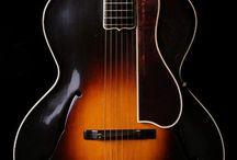 acoustic guitar's