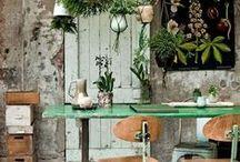 Inspiration: Hemmakontor - ett kreativt arbetsrum / Inspiration till bygge av ett kontor hemma, ett kreativt arbetsrum. Känsla av vind/tornrum/inglasad veranda. Råa material; pärlspont och/eller ohyvlade plankväggar. Nätta möbler.