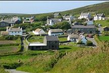Insula Mona / L'isola di Man (insula Mona in latino), conosciuta anche come Mann (Isle of Man in inglese, Ellan Vannin o Mannin in mannese), è un'isola situata nel Mar d'Irlanda. Sul piano politico, essa non fa parte del Regno Unito né dell'Unione europea, ma è una dipendenza della Corona britannica.