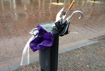 Afgedankte paraplu's / Zodra het in Nederland regent, zie je ze overal: afgedankte paraplu's. Kapot gewaaid en achtergelaten. #paraplu #umbrella