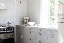 Kitchen Design & Decor Ideas / Dreaming about your own perfect kitchen? This board is on hand to help your drool over ideas, be inspired and cook up your own future kitchen design plans.