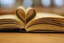 Writing Photos / Imágenes sobre el proceso de escribir y el resultado final que son los libros