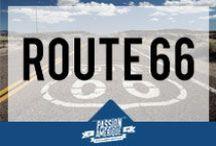 Route 66 / La Route 66, route mythique des USA, qui traverse le pays de Chicago, dans l'Illinois jusqu'à Los Angeles, en Californie. La route, maintenant abandonnée en de nombreux endroits, passe à travers des états tels que Missouri, Kansas, Oklahoma, Nouveau Mexique, Texas ou encore Arizona.