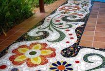 Mosaic / made by ceramic and glass  keramiikasta ja lasinpalasista tehtyjä mosaiikkitöitä