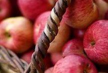 La Pomme sous toutes ses formes ! / Les pommes Mon Marché Plaisir : au naturel, en tartes, en compotes ou en jus, vous avez forcément une raison de craquer pour elles !