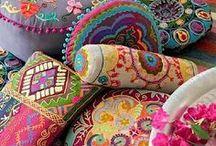 Boho Liebe / Bohemian Liefstyle. Taschen, Kleider, Möbel, Wohnen, Boho look, Hippie, Dekoration
