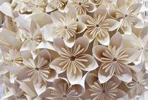 Wedding Green Eco-Friendly / Oggetti creati con materiale riciclabile principalmente plastica. Forme creative come chiudi pacco, segnaposto centrotavola etc. Per un matrimonio ecosostenibile e molto green.
