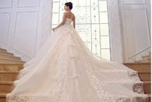 Wedding Dresses Short, Asymmetric or with exceptional tails! / Abiti da sposa corti, asimmetrici o con code eccezionali!