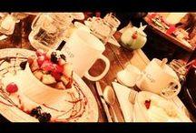 """Internationale Küche / Zum Reisen sollte unbedingt auch der Besuch in lokalen Restaurants, Cafés oder Bars gehören. Oder am besten sogar das Essen bei Einheimischen zu Hause.  Wer übrigens seinen Freunden im Ausland die multikulturelle deutsche Küche schmackhaft machen will, der findet mit dem deutsch-englischen Kochbuch """"Kitchen 2 Go"""" einen reise- und """"kochtüchtigen"""" Begleiter (z.B. als Gastgeschenk): http://www.weltweiser.de/ratgeber/kitchen-2-go.htm"""