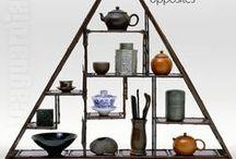 TEA GUIDE ☯ / Zajímá Vás něco o čaji? Jaký je váš čajový oblíbenec? Jak připravujete čaj podle druhu, v čem připravujete čaj? Jakou používáte vodu, měříte její teplotu, jak čaj skladujete, kolik minut louhujete? Vše o čajích pro čajomilce naleznete právě zde. Zápisníky pro čajomilce · Čajový slovník · Čajblog · Čajopisy · Čajová škola · Čaj Foto · O čajomilci · Milci čaje · O čajovém nádobí a náčiní · Oblíbené čaje · Příprava a skladování čaje · O čajovnách · Pěstování čaje · Čajopedie · Vaše čajová cesta.
