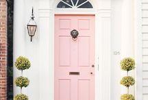 COLORFUL DOORS / Colorful door - I'm so curious who lives there?? Are you too? / Gdy widzę kolorowe drzwi wejściowe do domu zawsze zastanawiam się: kto tam mieszka? Spójrzcie jak pięknie wygląda takie wejście!