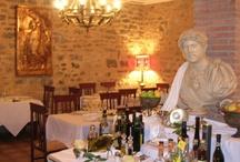 Restaurante & Vinatería La Casa Pompeyana / La Casa Pompeyana http://www.lacasapompeyana.com es un ágora de la historia, la cultura, el arte y la creación culinaria más exquisita en el marco de un acogedor ambiente de una casa de la antigüa ciudad de Pompeya,...Una ventana en el tiempo en las calles de la ciudad asturiana de Gijón,... / by Impronta Comunicación