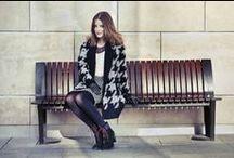 iEmma & Fashion donor / Emma egy izgalmas közös projektben vesz részt a MOM Park Young Fashion stylistjaival, Katával és Bertával. Hónapról hónapra blogbejegyzésekben számol be közös sétáikról, amikor együtt keresik meg a legtrendibb ruhadarabokat, lábbeliket és kiegészítőket a bevásárlóközpontban. Emma így a MOM Park Fashion donor csapatának tiszteletbeli tagjává vált, hogy inspirációt nyújthasson a korabeli lányoknak.