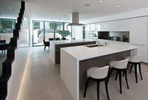 Kitchen Architecture bulthaup Wrap around worktops / Wrap around worktops on bulthaup furniture by Kitchen Architecture.