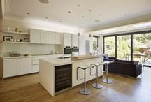 Kitchen Architecture bulthaup case study : Simply elegant / bulthaup by Kitchen architecture case study - Simply elegant. Kitchen Architecture - bulthaup b1 furniture in alpine white laminate with an ash bar.