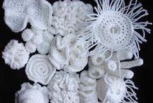 Crochet - Crochet Irlandés- Crochet hiperbólico- Ideas para tejer. / Ideas y trabajos en crochet, más algo de arte textil que puede trasladarse a esta técnica de tejido.