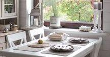 White Living / Weiß ist zeitlos, schlicht und elegant. Ob rustikal, modern oder extravagant, jeder Einrichtungsstil profitiert von weißen Elementen, die den Raum lichtdurchflutet und freundlich wirken lassen. Hier gibt's jede Menge Inspiration! Sie wollen mehr wissen? Schauen Sie doch mal auf unserem Blog vorbei: http://blog.dekoria.de/?p=1077