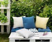 Traumterrassen / So langsam wird es Zeit, die Gartensaison wieder zu eröffnen! Deswegen haben wir uns ein paar kreative Ideen überlegt, wie man auch Garten und Terrasse in neuem Glanz erstrahlen lassen kann.