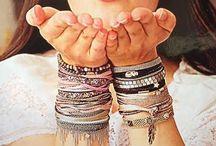 Bracelets By Garance / Une collection riche en couleur, matière et fantaisie !