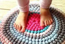 Catifes / Per tenir els peus calents i per decorar el terra jejeje