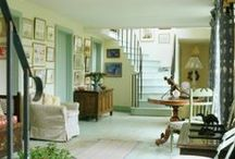 HALLWAYS AND FOYERS / Entrances and passages