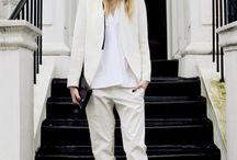 White color / White clothes / accessory