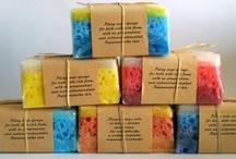 Soap with sponge / Mydła z gąbką.