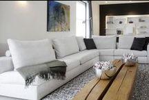 Do's Interiors | Project - 100% Natural / De stoere en aardse sfeer van dit nieuwbouwhuis geeft een warme uitstraling aan de strakke bouwelementen. Natuurlijke materialen zorgen voor een mooi contrast met de moderne meubels. Ingetogen luxe op het platteland!
