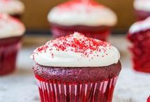 Food | Christmas Treats / Christmas is about family and food, this boards shares some delicious recipes that we have came across on Pinterest