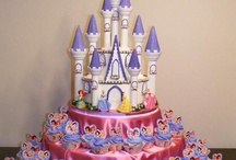 """Disney Birthday Party / Everything you need to create a magical Disney Birthday party: themes based on favorite Disney movies and characters, fantastic cakes, yummy cookies, snacks, decorations,  favors, invitations, and other printables! ~ ~ ~ And for more fun food ideas, check out our """"Fun Disney Food"""" board (https://www.pinterest.com/greatwdwtips/fun-disney-food/)"""