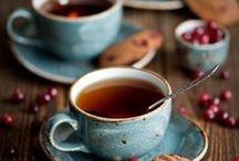 Hora do chá. Café? Chocolate quente? Lanche?