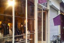 Boutique Lotta Djossou Paris / Nous vous accueillons tous les jours dans notre boutique - atelier, au cœur du quartier du Marais, à deux pas de l'emblématique rue des Rosiers.  LOTTA DJOSSOU, 11 rue Ferdinand Duval, 75004 Paris