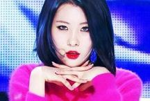 《 SUNMI 》★ / Lee Sunmi ( born May 2, 1992), commonly known by her stage name as Sunmi or Mimi, is a South Korean idol singer. She is a former member of the South Korean girl group Wonder Girls.