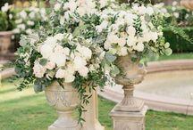 WEDDING DECOR | pretty wedding displays and decor / Wedding floral, decorations and rentals.