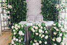 FRONT AND CENTER | inspiration for head tables. / Head table and sweet heart table ideas