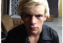 R5's vines / by R5 Family Pinterest