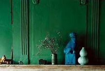 Emerald green; Pantone colour of 2013