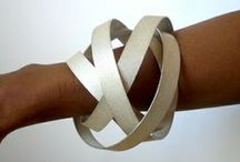 Amazing Bling / Contemporary jewelry, mostly geometric