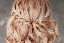 Bridesmaid Hairstyles / Different hair styles for the bridesmaids in the wedding party.